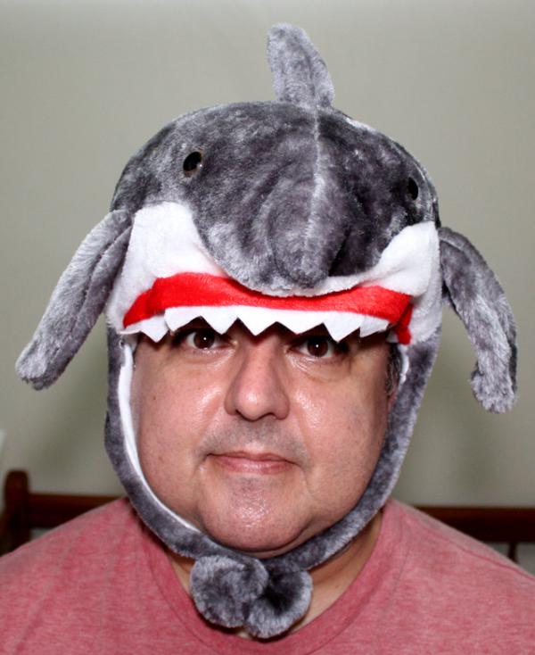 Gorro térmico pelúcia de tubarão