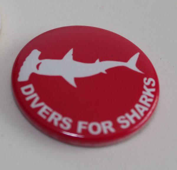 Imã de geladeira redondo Divers for Sharks